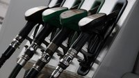 Ceny pohonných hmot v Česku dále klesají - anotační obrázek