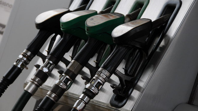 V Česku je celkem 7 010 čerpacích stanic. Pumpa je každých čtrnáct kilometrů - anotační foto