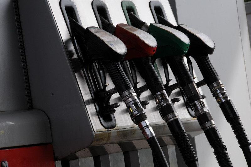 Ceny pohonných hmot od minulého týdne výrazně klesly - anotační obrázek