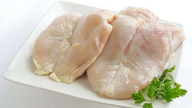 Řezník z Opavska doplácí na polské maso se salmonelou. Chce kvůli kauze ukončit podnikání - anotační obrázek