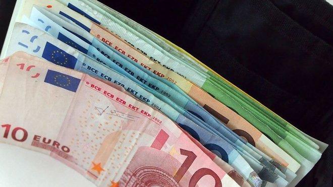 Koruna padá, přej si něco… přej si euro! Opravdu?