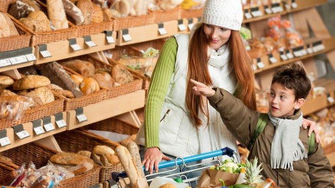 Stejné potraviny, ale menší kvalita než na Západě? Mělo by to být nezákonné, volá europoslankyně - anotační foto