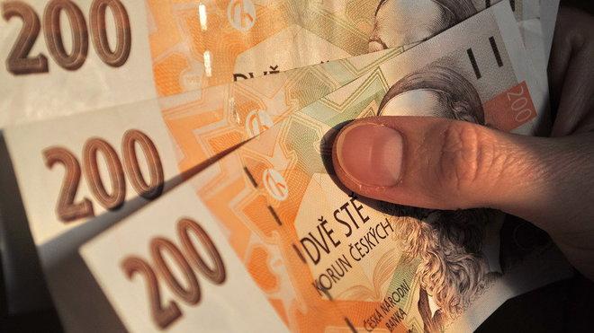 Důchodci dostali víc peněz, proč? Laudát prozradil, o co vládě jde - anotační foto