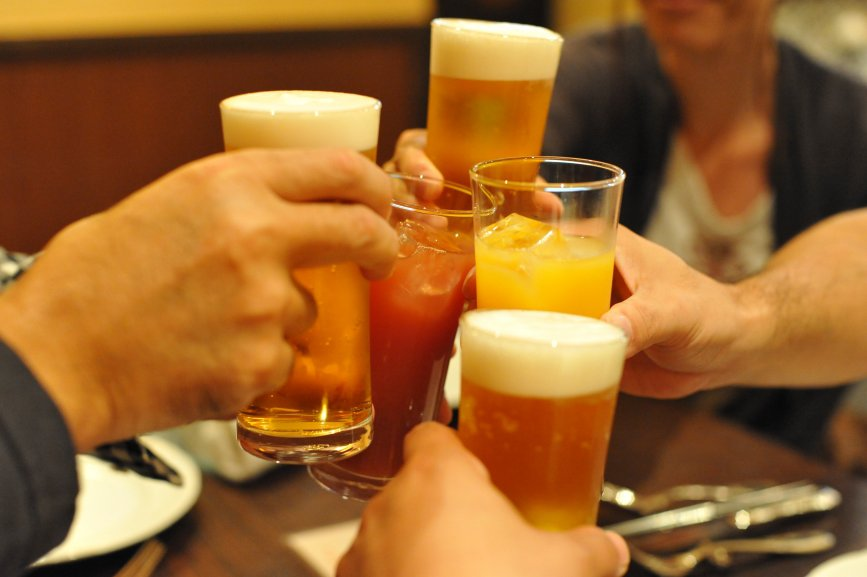 Češi si zvykli na nealko pivo. Ženy milují ochucené! - anotační obrázek
