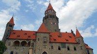 Hrad Bouzov zůstane státu. Ústavní soud odmítl stížnost Německého řádu - anotační obrázek