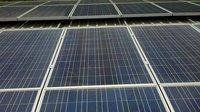 Walmart žaluje Teslu. Její solární panely způsobují požáry - anotační foto