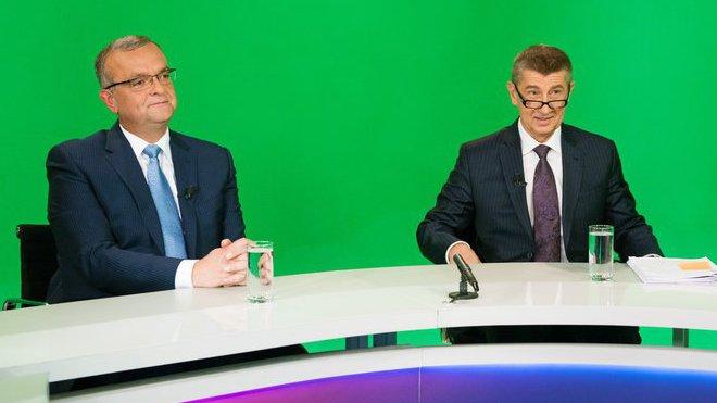 Bývalý ministr financí Miroslav Kalousek a současný ministr financí Andrej Babiš
