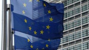 EU vydala dluhopisy na podporu zaměstnanosti, trh ale není v dobré kondici