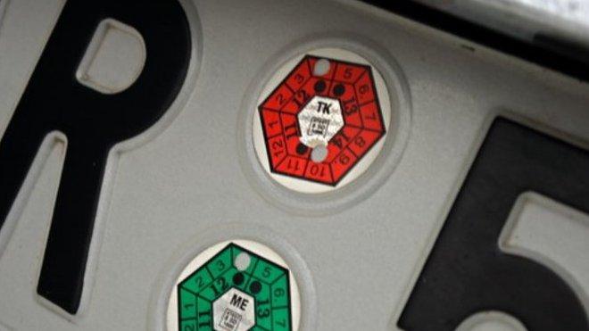 Státy EU si budou vzájemně uznávat technickou u aut - anotační foto