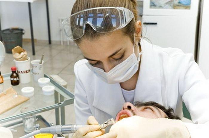 Lidé kašlou na prohlídky u zubaře. Muži hlavně kvůli strachu! - anotační obrázek