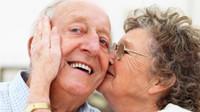 """Péči o blízké je možné """"vyměnit"""" za práci. Do nároku na důchod se započítá - anotační obrázek"""