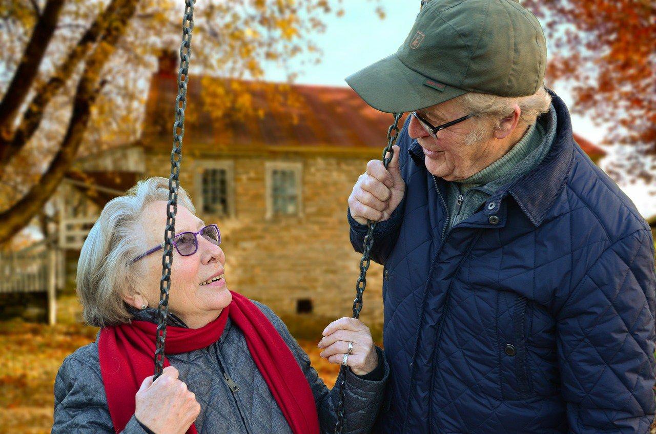 Důchodci v Česku si nemají na co stěžovat. Závidět by jim mohli ze všech vyspělých zemí, upozornil senátor - anotační foto