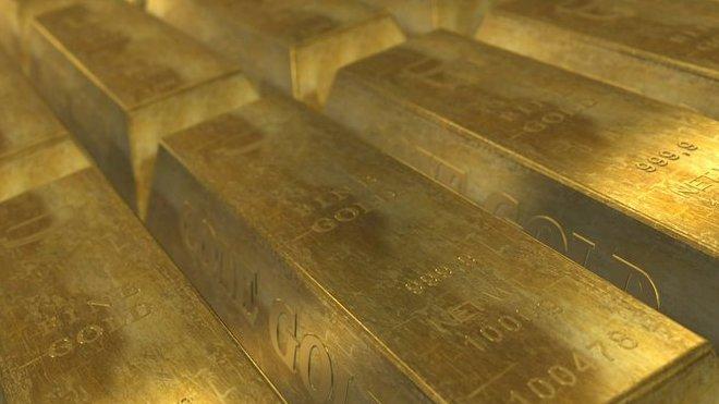 """Červené jezero je opravdu """"zlatý důl"""" - anotační foto"""