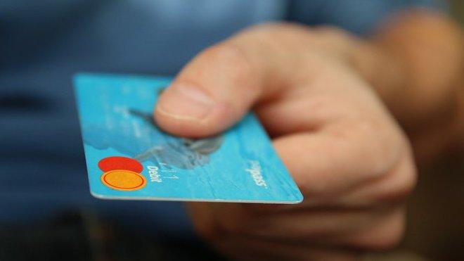 Jak poznat, že byl bankomat napaden podvodníky? - anotační foto