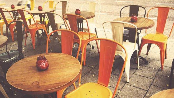 Přes 21500 restaurací, kaváren a bister bojuje o přežití - anotační obrázek