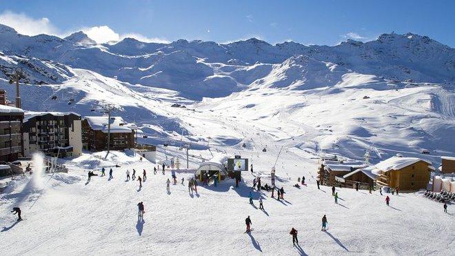 Lidé kupují zimní i letní cesty. Cestovní kanceláře posílily on-line a call centra - anotační obrázek