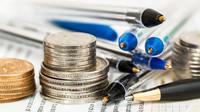 Mohou si Češi za nízké platy sami? Ekonom vysvětluje, jak to je - anotační obrázek