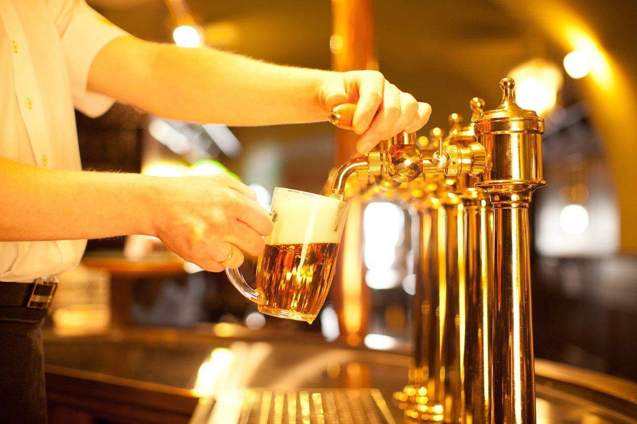 Babiš zlevní točené pivo? Jako náplast za evidenci tržeb - anotační foto