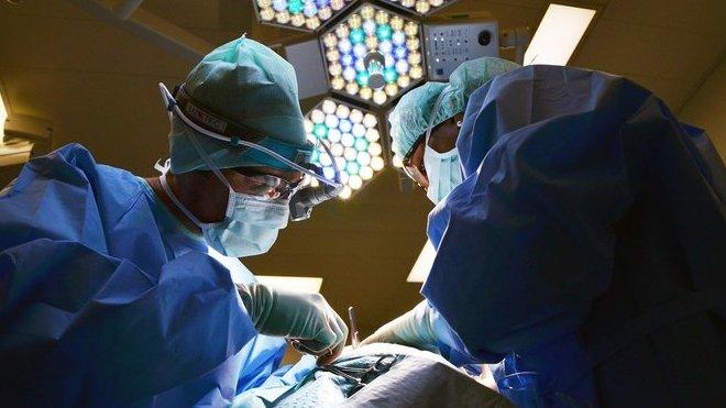 VČesku se provede kolem 60 transplantací srdce ročně. Kolik let navíc pacienti získají? - anotační obrázek