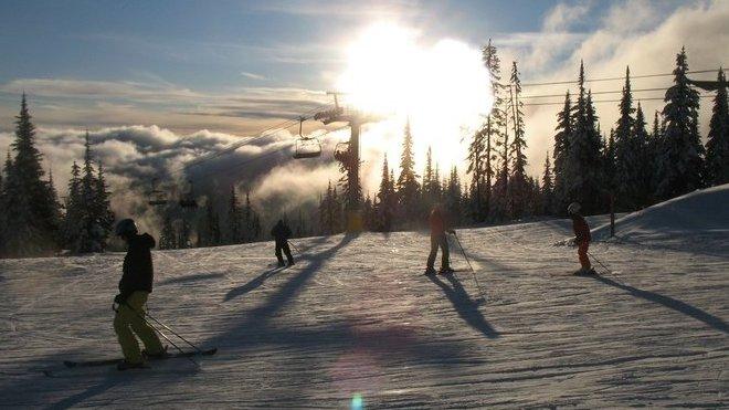 Na zimní dovolenou si přibalte pojištění. Existuje speciální verze pro lyžaře? - anotační obrázek
