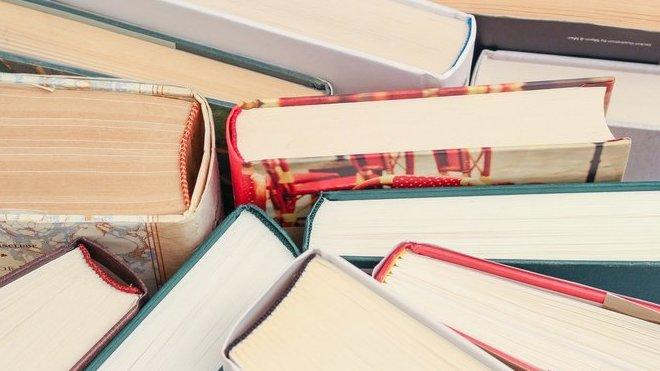 Knihy, ilustrační fotografie