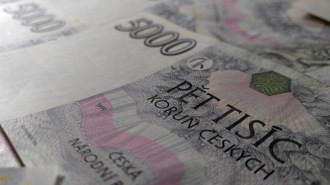 Peníze CZK, ilustrační fotografie