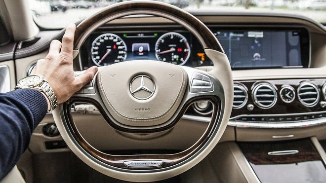 Mezi pojistnými podvody přibývá fingovaných krádeží značkových aut v zahraničí - anotační foto