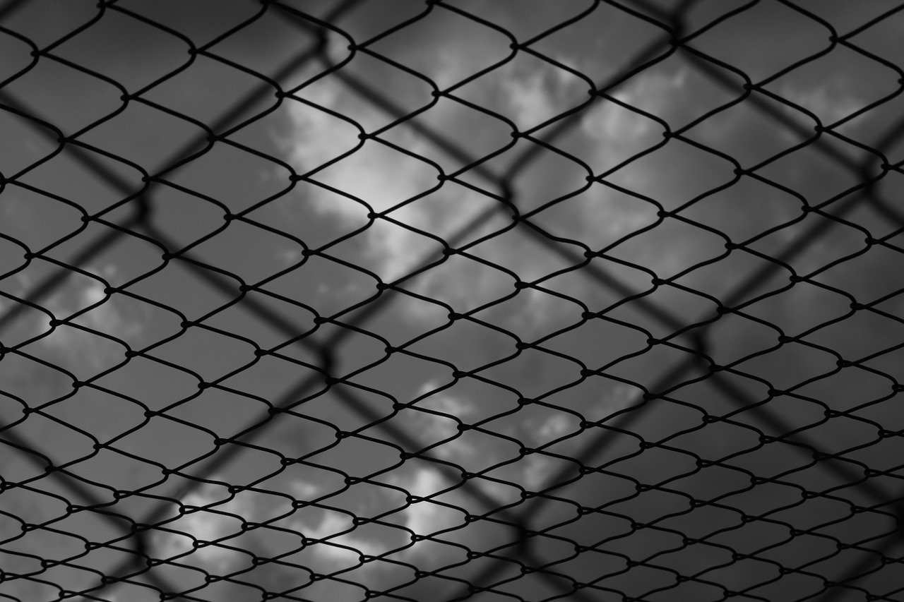 Ponižování, výhrůžky, tresty smrti. Jak fungovala StB? - anotační obrázek