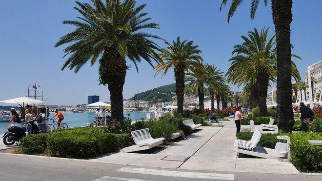 Komplikace na dovolené: Pozor nejen na chorvatské ostrovy, zdravotní péče je omezená - anotační obrázek