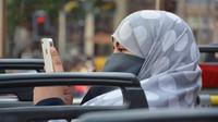 Británie už není pro migranty bezpečná? Muslimské řeznictví lehlo popelem - anotační obrázek