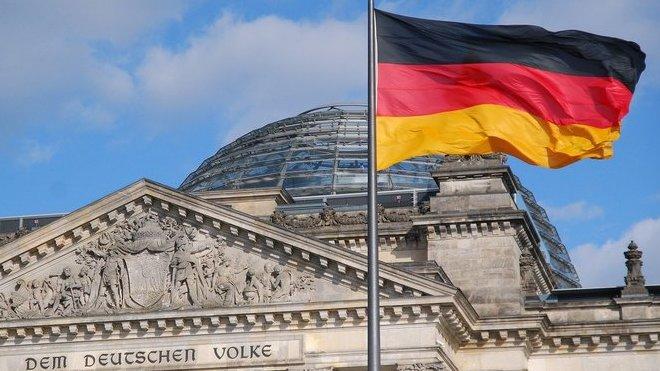 Novináři v Německu nezvládli situaci kolem uprchlické krize. Informace byly lživé, tvrdí institut - anotační obrázek