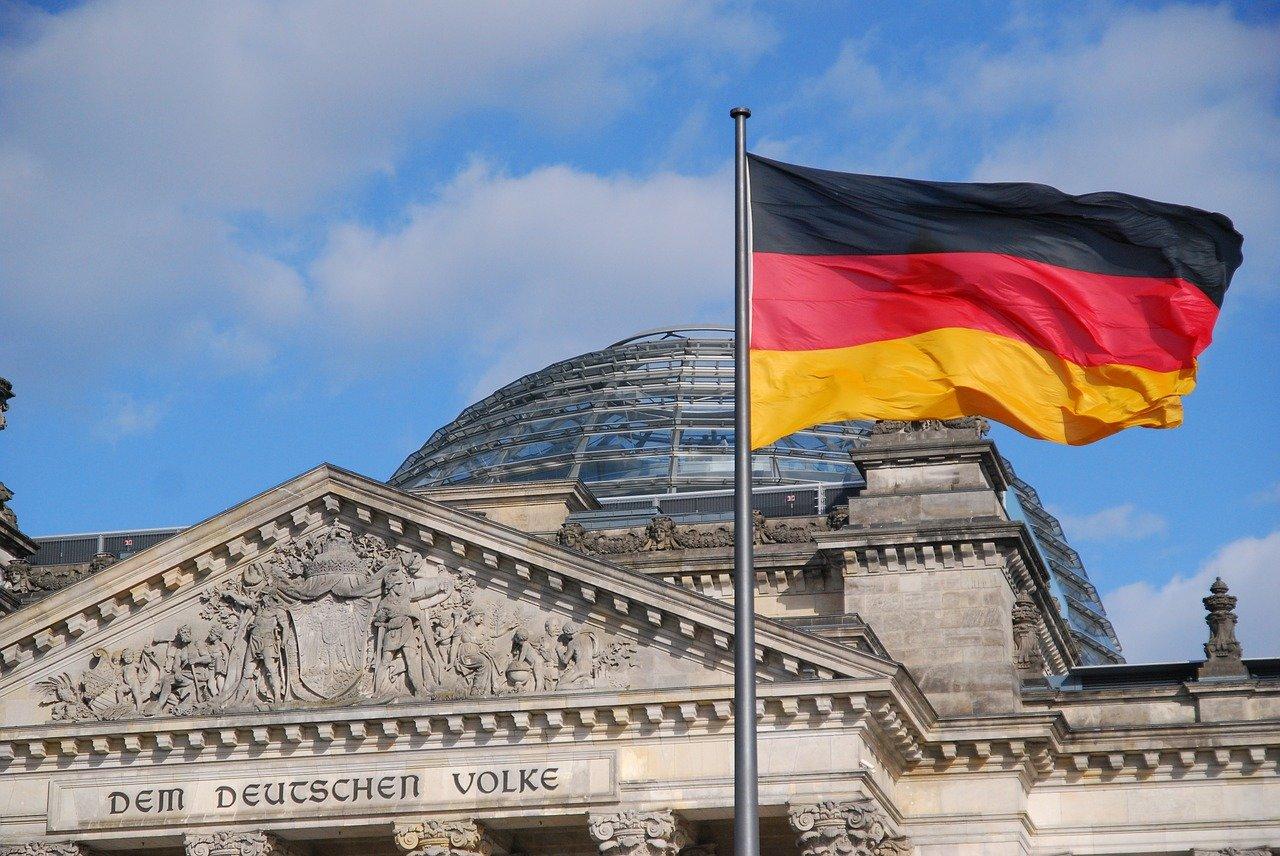 Němci houfně opouští Německo. Už mají dost migrantů a islámu - anotační obrázek