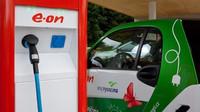 Rychlonabíjecí stanice pro elektromobily v areálu čerpací stanice Benzina ve Vystrkově u Humpolce