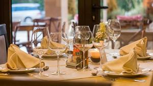 Havlíček: Interiéry restaurací by se měly otevřít v první polovině června