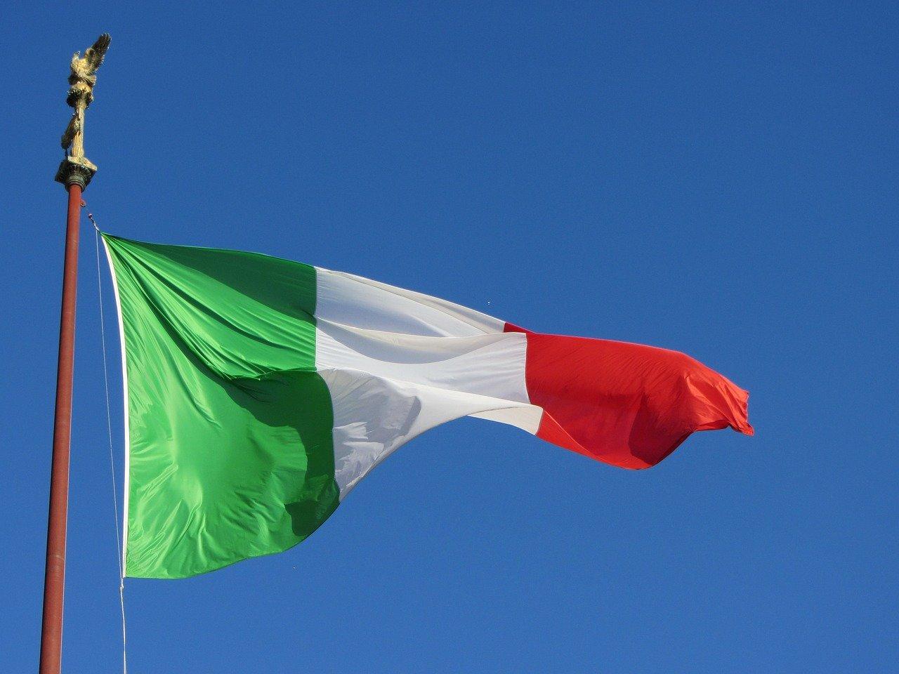 Italský ministr promluvil o migrantech a islámu: Je to šílené. Nekontrolovaná imigrace je chaos - anotační obrázek
