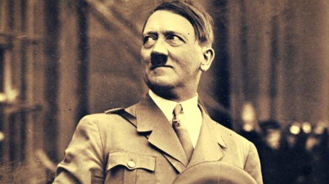 Hitler přežil válku? Ukryl se v supertajném sídle, ukazují tajné dokumenty