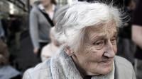 Před očkováním starších lidí by měl jejich stav posoudit lékař, upozorňuje SÚKL - anotační foto