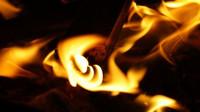 Dejte si v březnu pozor na oheň. Loni touto dobou poničil nejvíc domácností - anotační foto