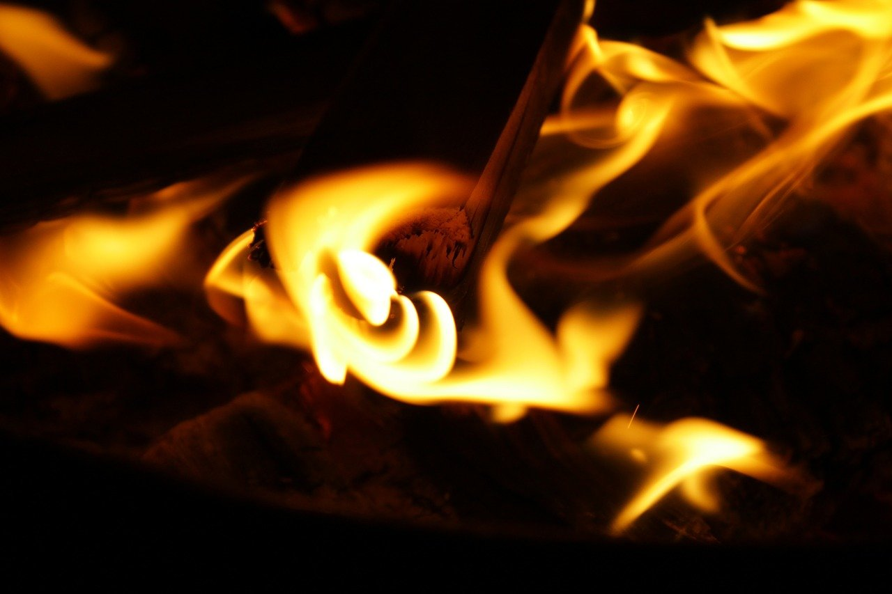 Oheň, ilustrační fotografie