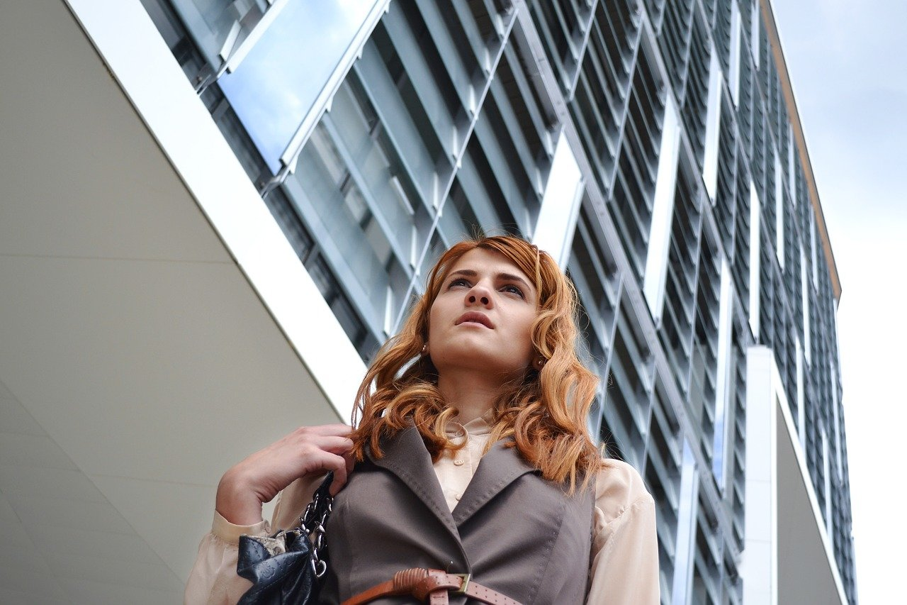 Co obsahují ženské kabelky? Nový objev vyděsil i odborníky - anotační obrázek