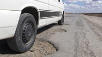 Babiš: Kraje dostanou na opravy silnic slíbené čtyři miliardy - anotační foto