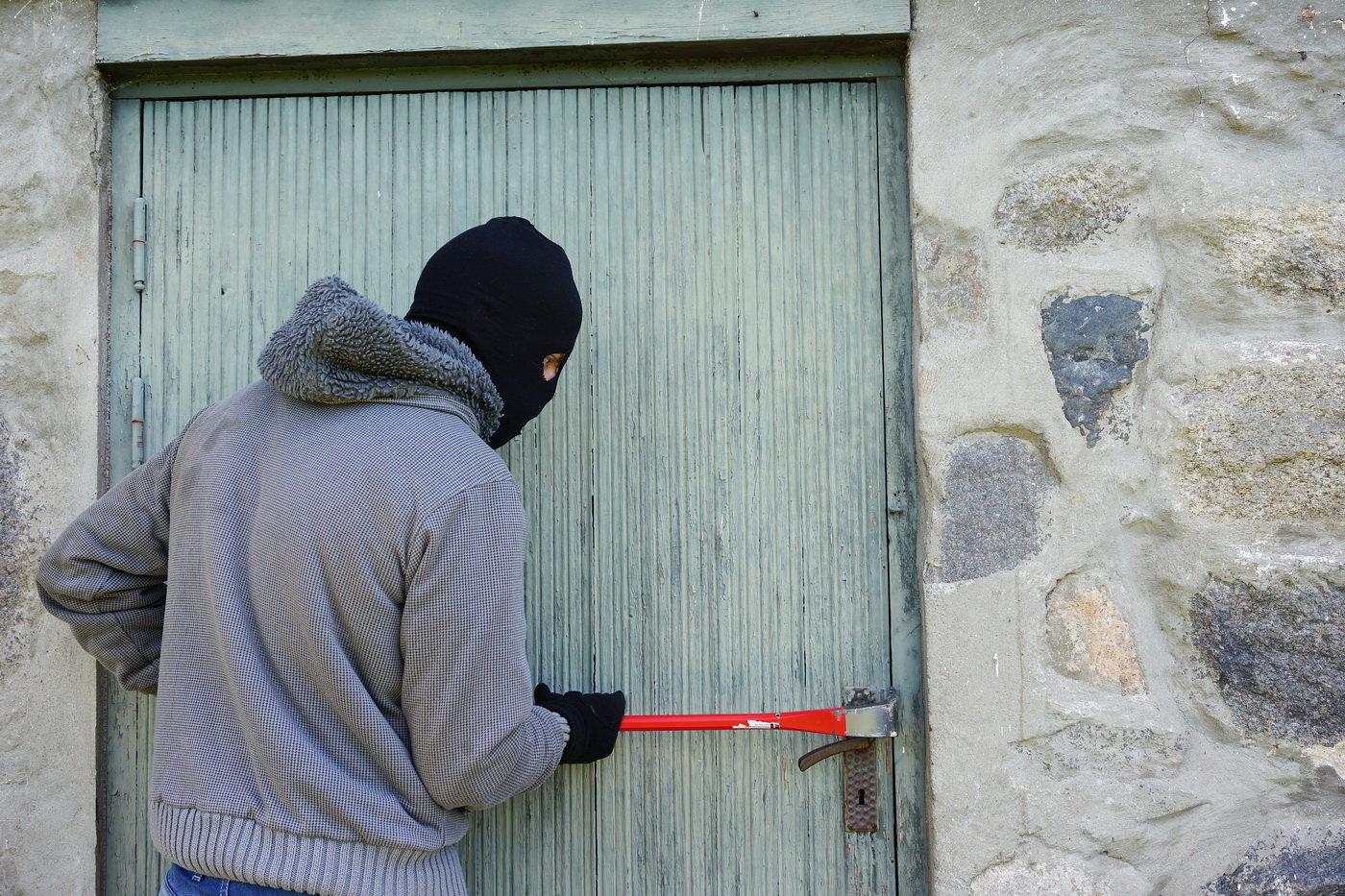 Vztah mezi počasím a zloději? Vědci objevili nečekané spojitosti - anotační obrázek