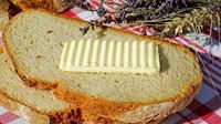 Máslo je opět v kurzu. Prodává se víc než margarín. Jaké je nejoblíbenější? - anotační obrázek