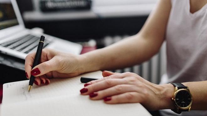 Těžké návraty z dovolené do práce? Čtyři způsoby, jak se smířit s realitou - anotační obrázek