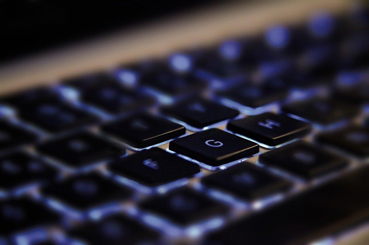 IT pracovníci jsou nedostatkovým zbožím. Na co takového IT odborníka nalákat? - anotační obrázek