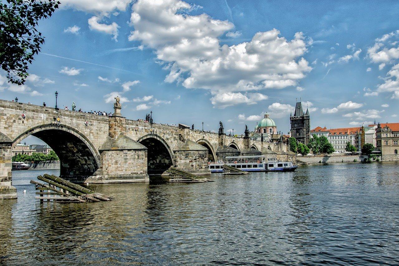 Praha bude hospodařit s deficitem 18,4 miliardy korun - anotační obrázek