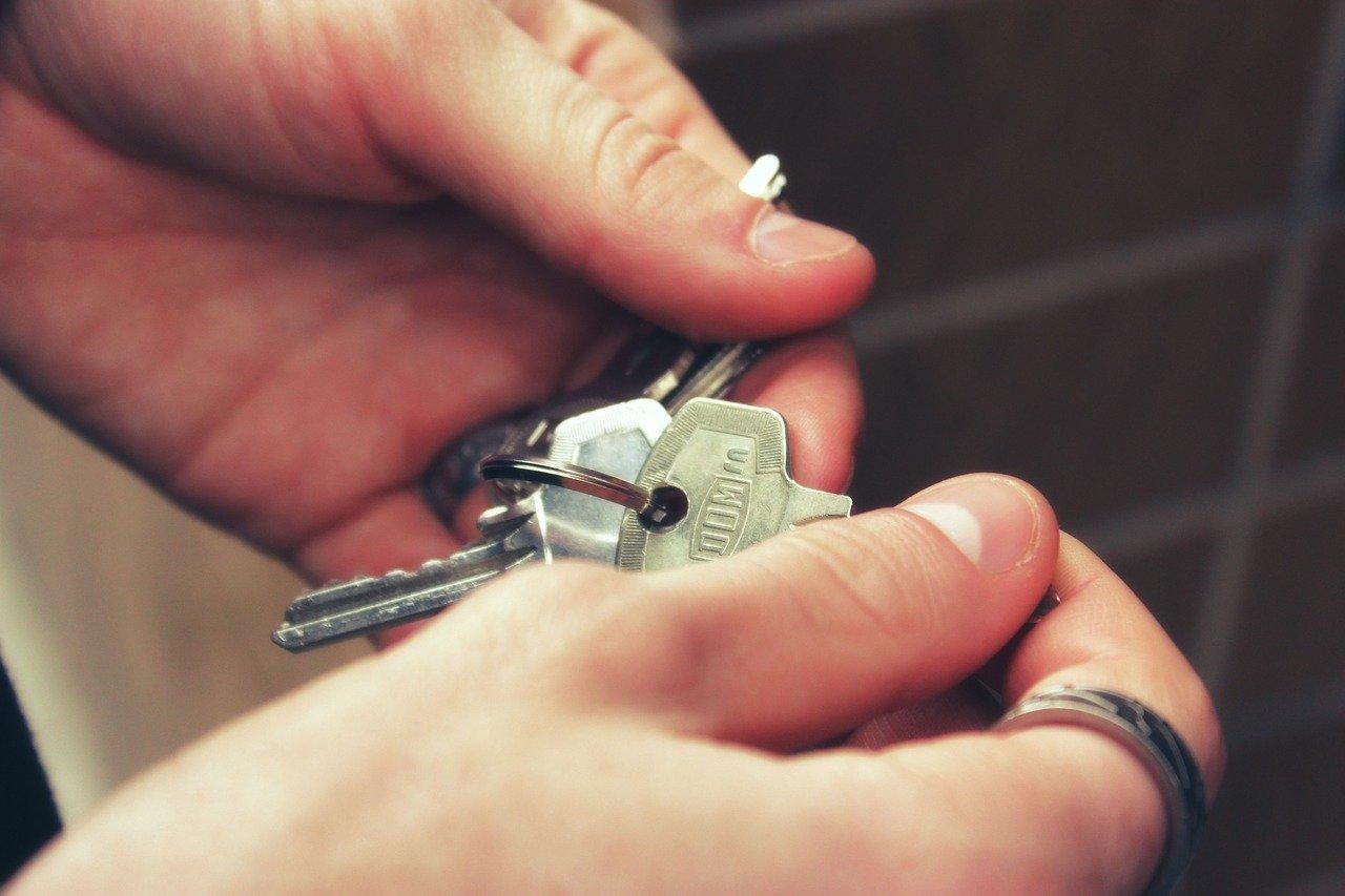 Víte, proč je dobré koupit byt vpřízemí s předzahrádkou? - anotační obrázek