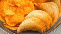 České chipsy jsou dražší a nezdravější než ty německé. Chutnají alespoň lépe? - anotační foto