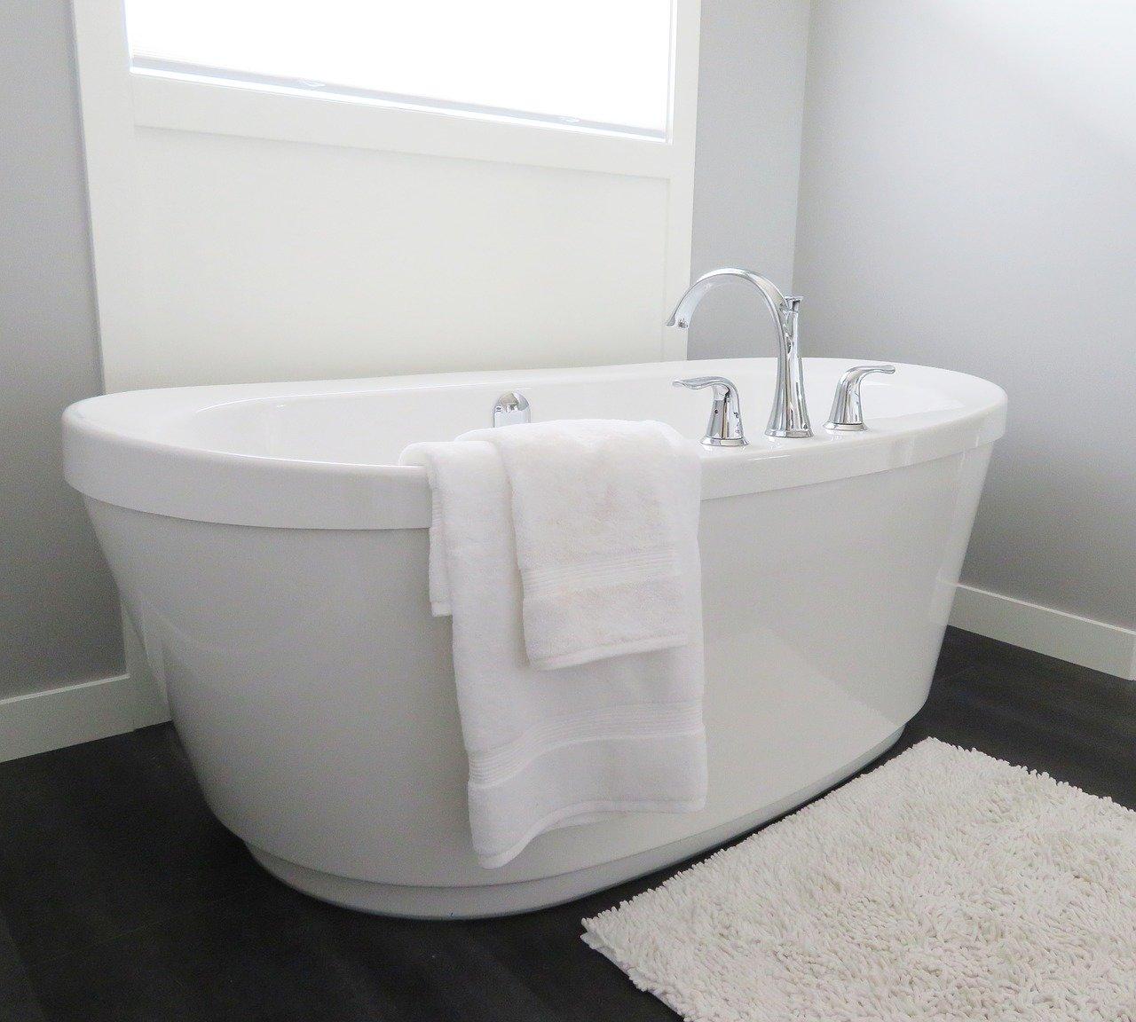 Bakterie na nás útočí. Víte, jak často měnit ručníky, povlečení nebo luxovat? - anotační obrázek