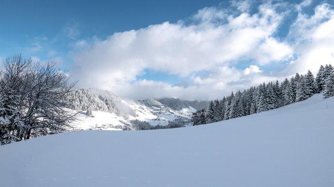 Hory zasype sníh. Předpověď počasí na noc a středu 26. února - anotační obrázek